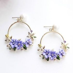 Jewelry - Gorgeous Floral Pearl Earrings
